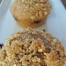 whole wheat blueberry crumble muffins