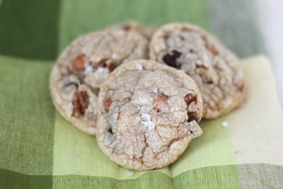 Salted Turtle Cookies | www.bakeyourday.net