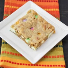 brown-butter-white-chocolate-pretzel-blondies-40