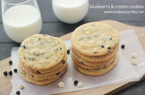 Blueberry and Cream Cookies | www.bakeyourday.net