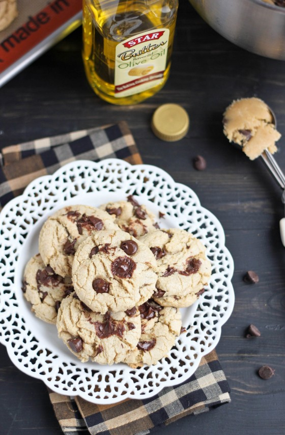 Butter-Flavored Olive Oil Chocolate Chip Cookies  | bakeyourday.net