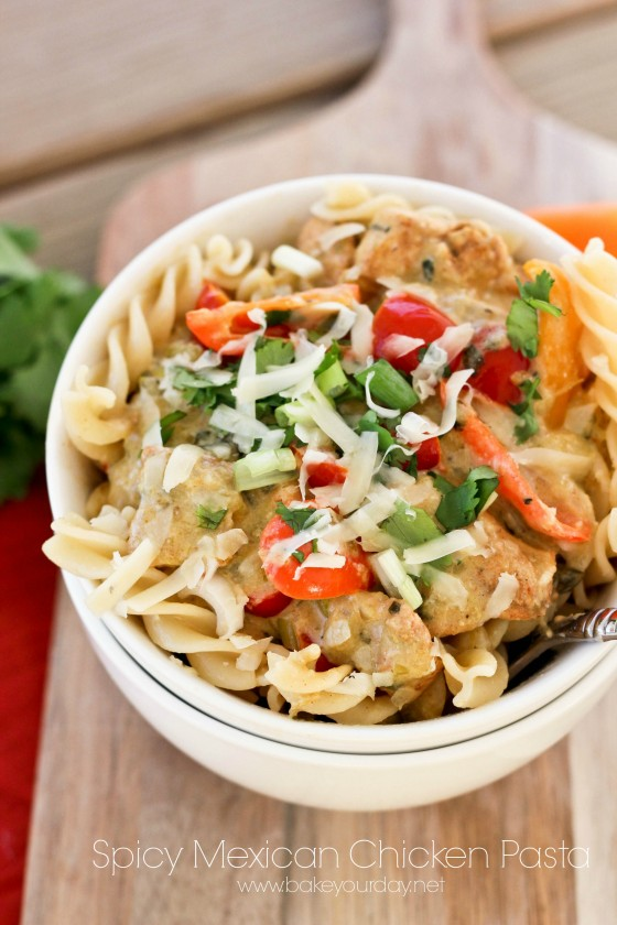 Spicy Mexican Chicken Pasta | bakeyourday.net